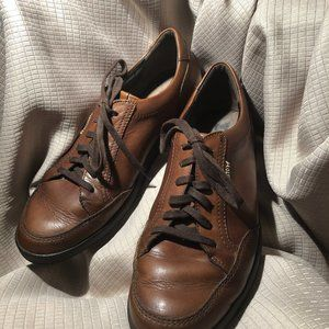 Mephisto men lace up leather shoes, classic brown,